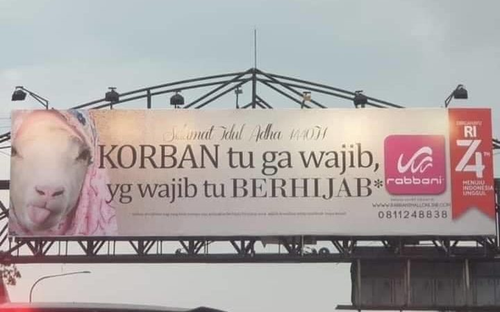Dari Banjarmasin, Saya Melihat Indonesia Dikepung Rayuan Iklan Berbalut Kesalehan