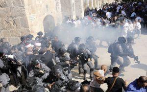 14 Warga Palestina Terluka Akibat Serangan Israel Terhadap Jamaah Al-Aqsa