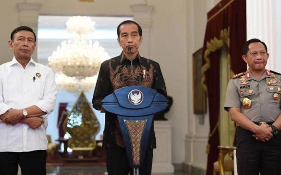 Dicari! Nama: Jokowi. Status: Presiden. Hobi: (Dulu) Blusukan. Di Manakah Beliau?