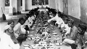 Rebo Wekasan dan Tradisi Tolak Balak di Nusantara