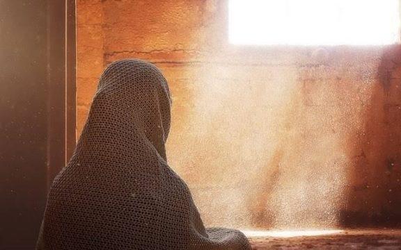 Kisah Cinta Dua Putri Rasulullah SAW: Diceraikan Dua Anak Abu Lahab dan Dinikahi Utsman