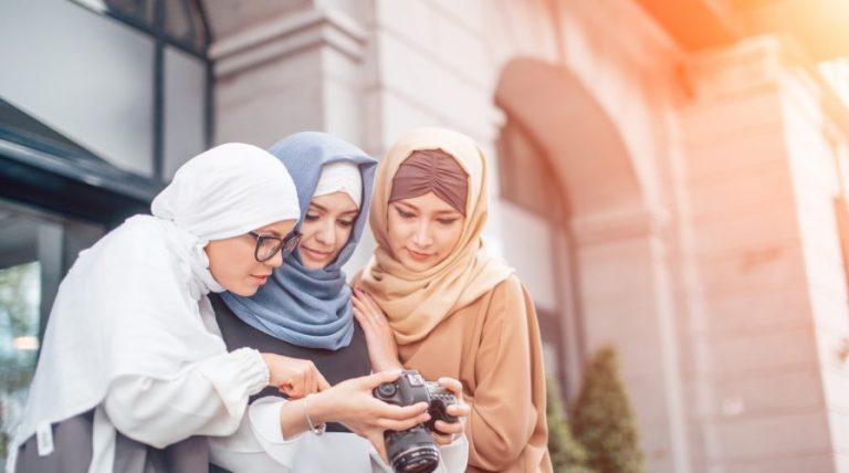 Hasil Penelitian : Hobi Milenial Muslim Suka Liburan dan Kuliner