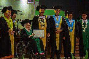 Honoris Causa untuk Ibu Shinta Nuriyah Wahid dan Pidato Menyentuh Tentang Sahur Keliling Bersama Mustadh'afin