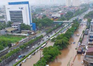 Mengurai Aliran Air: Belajar dari Banjir di Bantaran Bengawan Solo