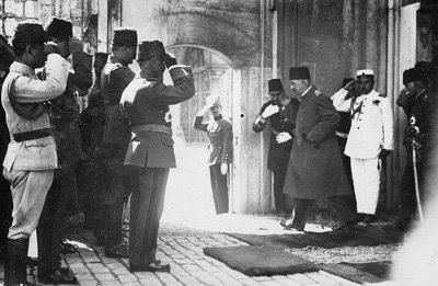 Kemal Attaturk dan Pemindahan Ibu Kota Turki: Dari Istanbul ke Ankara