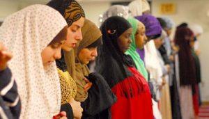 Membaca Muslimah Urban dari Selembar Mukena