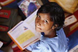 Libur Sekolah, Jilbab dan Pelajaran Agama yang Tidak Relevan