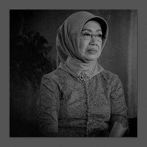 Ribuan Panah Fitnah ke Sujiatmi Notomiharjo