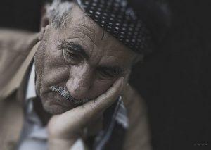Kisah Seorang Kakek yang Diasingkan Anaknya