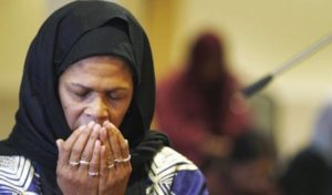 Berkenalan dengan Amina Wadud dan Tafsirnya yang Membela Perempuan