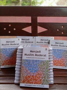 Resensi Buku: Menjadi Muslim Moderat Butuh Ongkos Teologi yang Mapan