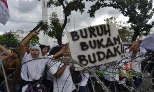 Umat Islam dan Hari Buruh: Kaum Buruh Adalah Bilal-Bilal Masa Kini!