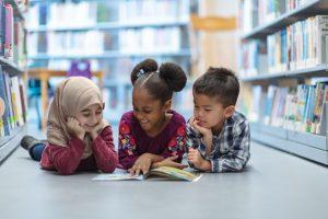Mendidik Anak dengan Cinta, Bukan Teror