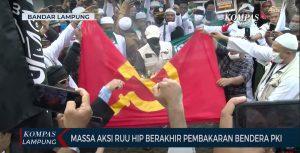 Membakar Bendera PKI, Seperti Berkelahi dengan Orang-orangan Sawah