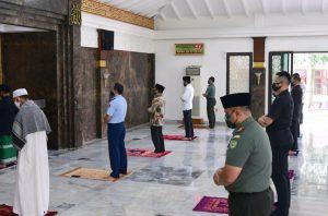 Hukum Merenggangkan Shaf Shalat Jamaah Saat New Normal