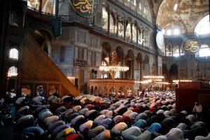Shalat Jumat Pertama di Hagia Sophia Setelah 86 Tahun