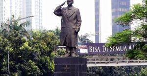Ide Gubernur Anies Pasangkan Masker ke Patung Jenderal Sudirman Emang Jempolan kok