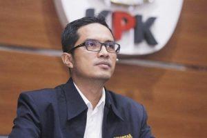Febri Diansyah Mundur, KPK Melemah, Koruptor Bahagia?