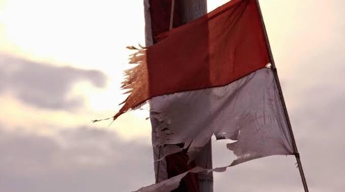 Indonesia yang Megah, Indonesia yang Rapuh