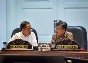 Kala Umpan Lambung Jusuf Kalla Disambut Pejabat Negara Soal Jokowi Minta Kritik
