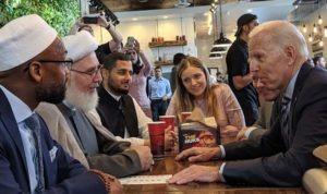 Janji Joe Biden kepada Muslim Amerika: Cabut Larangan Perjalanan dan Dorong UU Perangi Kejahatan Rasial