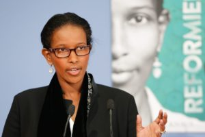 Kritik Hirsi Ali Soal Keperawanan Hingga Cerita Menstrual Cup di Indonesia