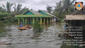 Kisahku Sebagai Relawan Melihat Agama dan Kepasrahan di Banjir di Kalimantan Selatan