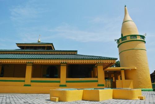 Toleransi di Pulau Buru Kepri: Islam dan Konghucu Bahu Membahu Bersatu